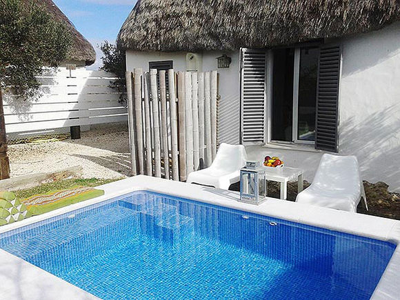 Beautiful El Palmar accommodation with private garden and pool