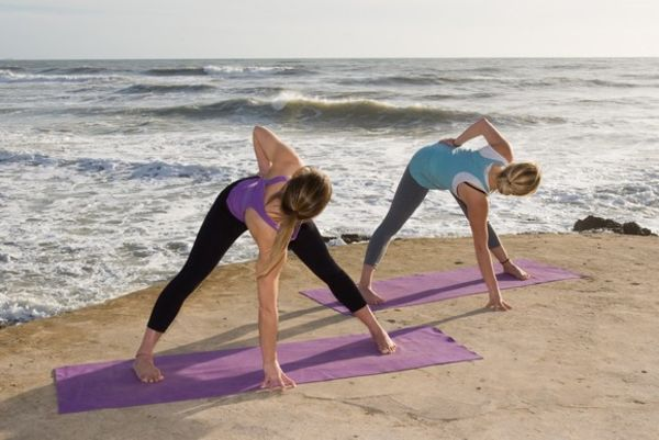 Waves and Yoga practice at Yoga El Palmar