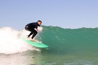 Green waves and sunny surf sessions with the El Palmar Surf Report