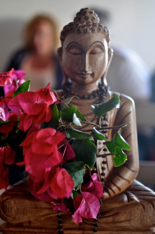 Yoga El Palmar with Buddha and flowers