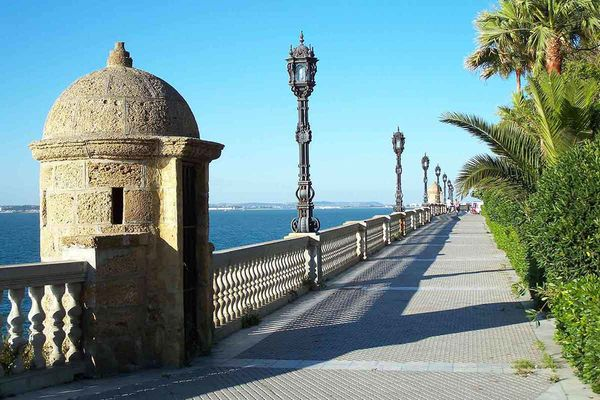 Cadiz is a great excursion destination starting from A Frame Surfcamp Andalusia.