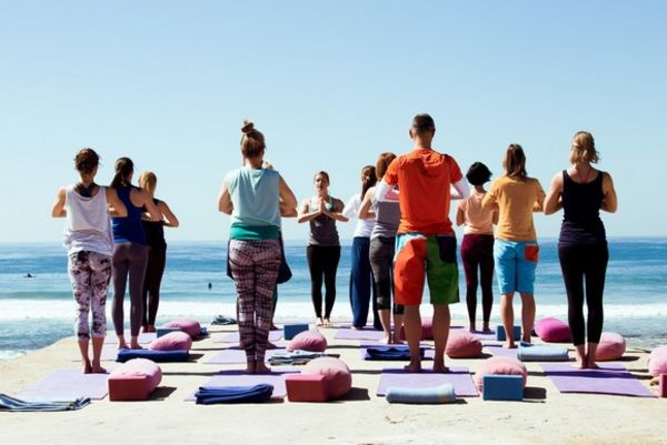 Yoga by the sea in El Palmar in Spain