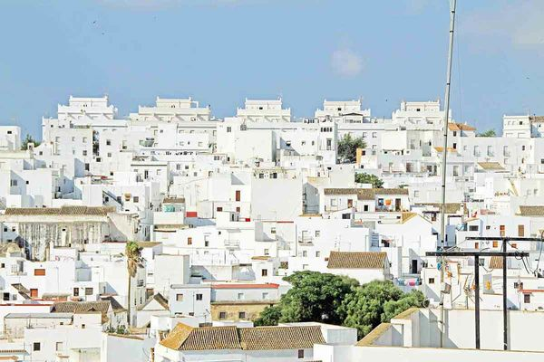 Typical white village in the surroundings of the A Frame Surfcamp Andalusia