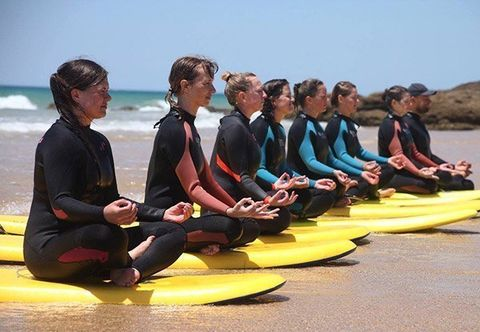 [Translate to English:] Surf Yoga Urlaub in Spanien